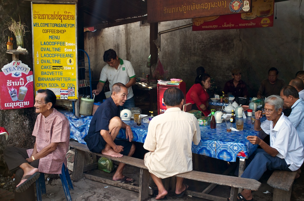 Laos-Luang-Prabang-Cafe-Pasaneyom-Coffee-Shop 007