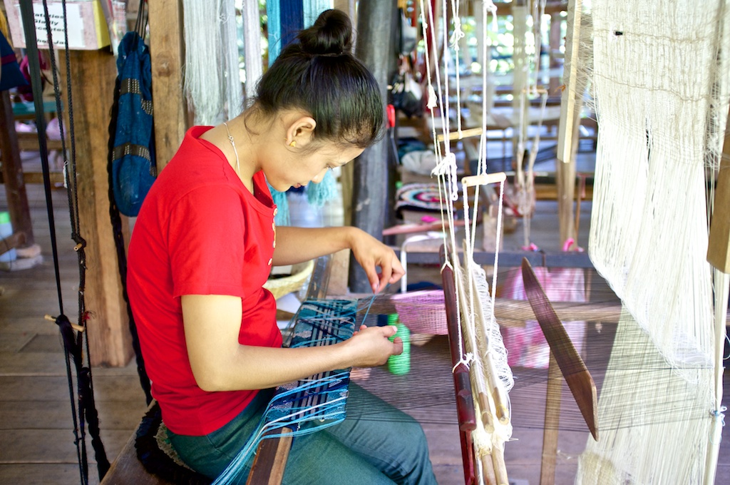 Laos-Textile-Weaving-Ock-Pop-Tok-Silk-Dye-Class-Tour