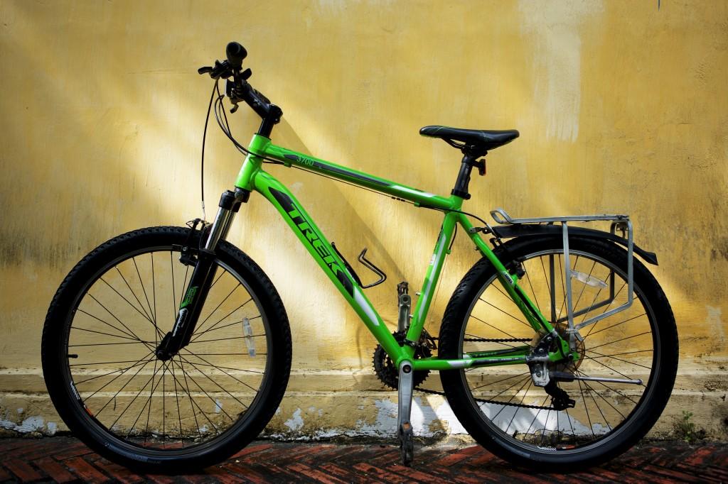 laos-biking-new-bicycle-trek-mountain-bike-noah-bike-shop-luang-prabang