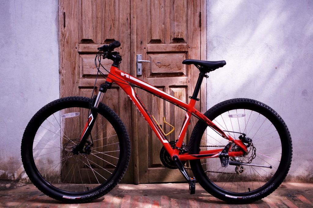 laos-biking-new-bicycle-specialized-mountain-bike-noah-bike-shop-luang-prabang