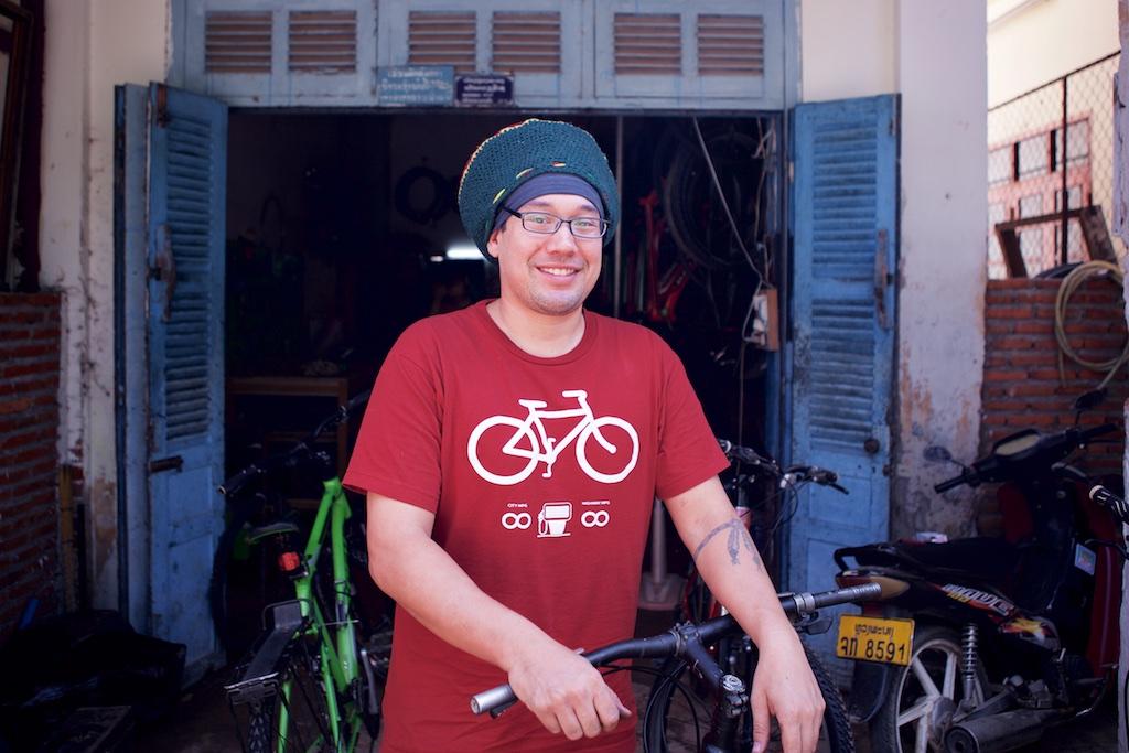 laos-biking-noah-bike-shop-bicycle-luang-prabang