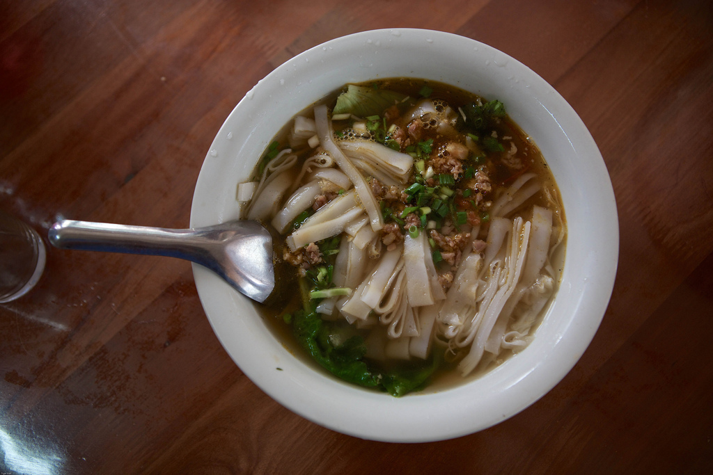 Laos-Lao-Food-Wet-Noodles-Soup-Khao-Piak-Tiger-Trail-Photo-By-Cyril-Eberle