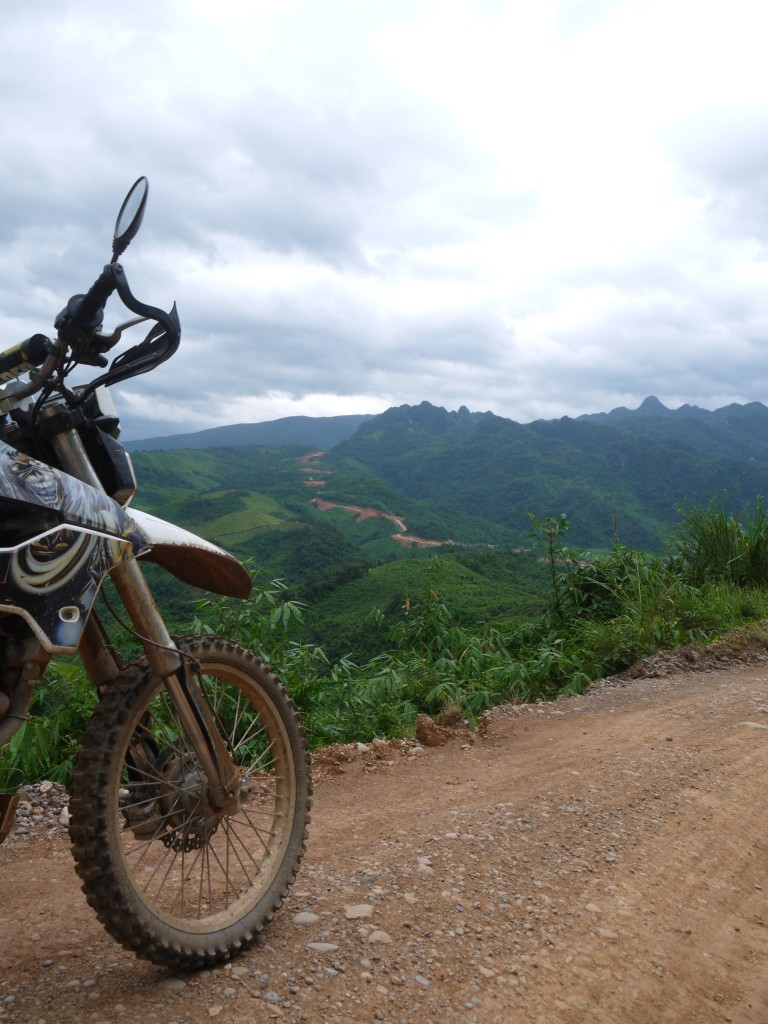 Motolao.com - Laos Motorcycling Tour Long Cheng