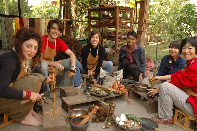 Weaving class Luang Prabang