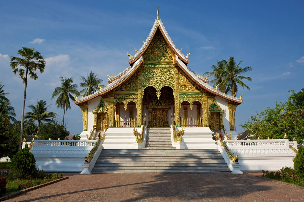 laos-luang-prabang-temple-wat-haw-phra-bang-tiger-trail-photo-by-cyril-eberle-CEB-8669.jpg