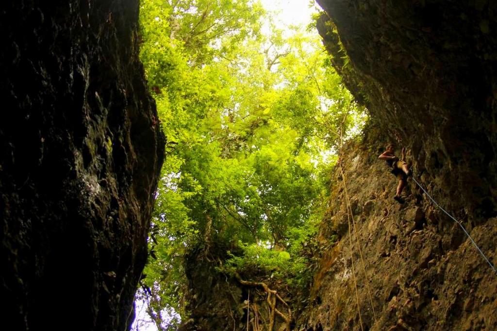 Vang Vieng Rock Climbing