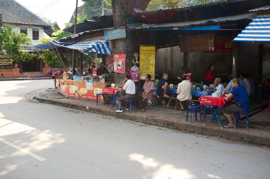 Laos-Luang-Prabang-Cafe-Pasaneyom-Coffee-Shop 008