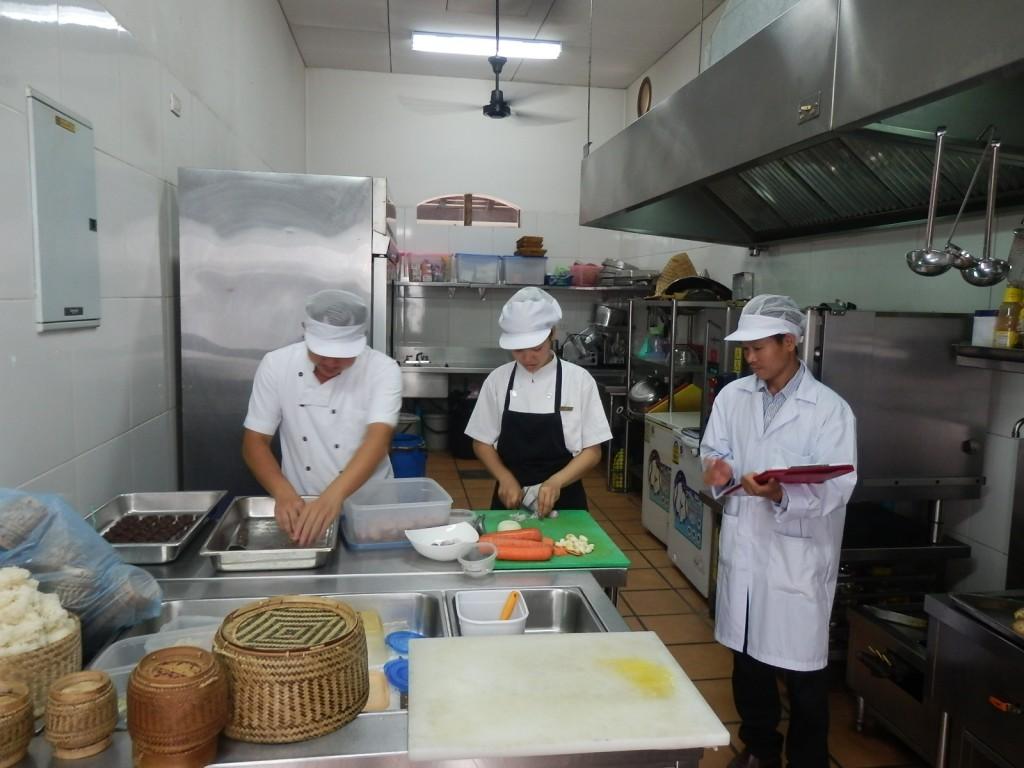 the-mark-luang-prabang-food-preparation-hygiene-certification-program-kitchen